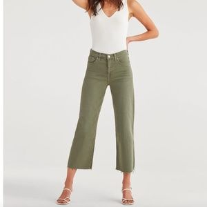 SALE⬇️NWT 7 FOR ALL MANKIND CROPPED WIDE LEG JEANS